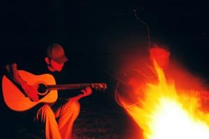 Guitarist-Camp-Fire-Campfire