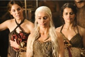khaleesi-daenerys-targaryen-and-handmaidens